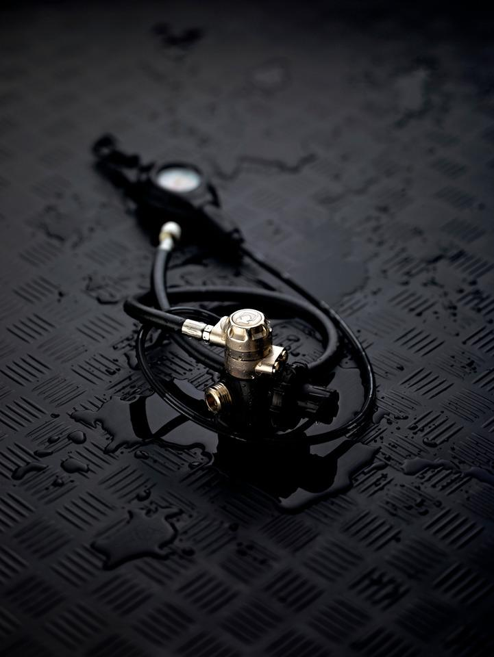 Image-building product images - Divator RS4 Regulator